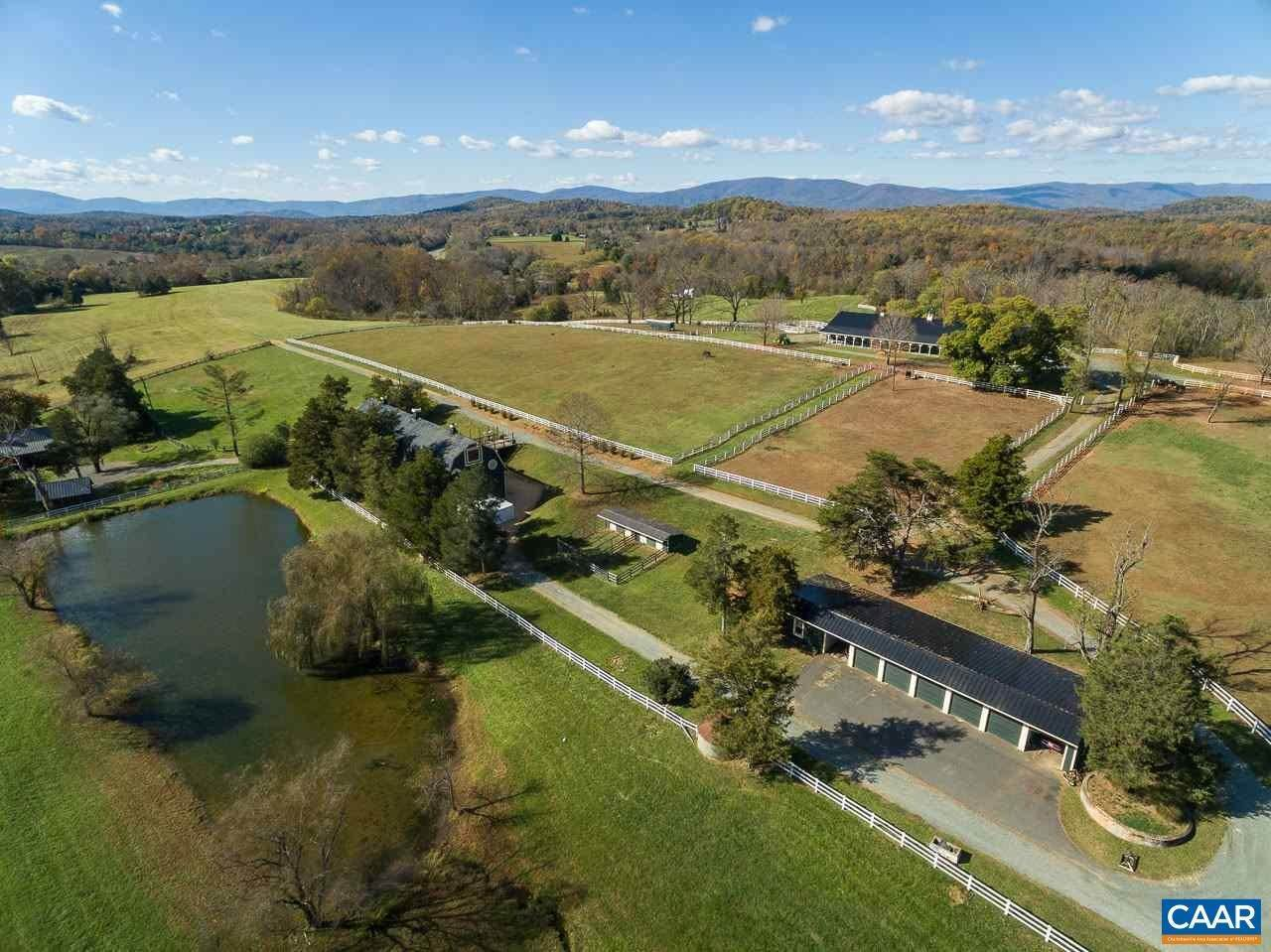 6. Single Family Homes for Sale at 99 BLOOMFIELD Road Charlottesville, Virginia 22903 United States