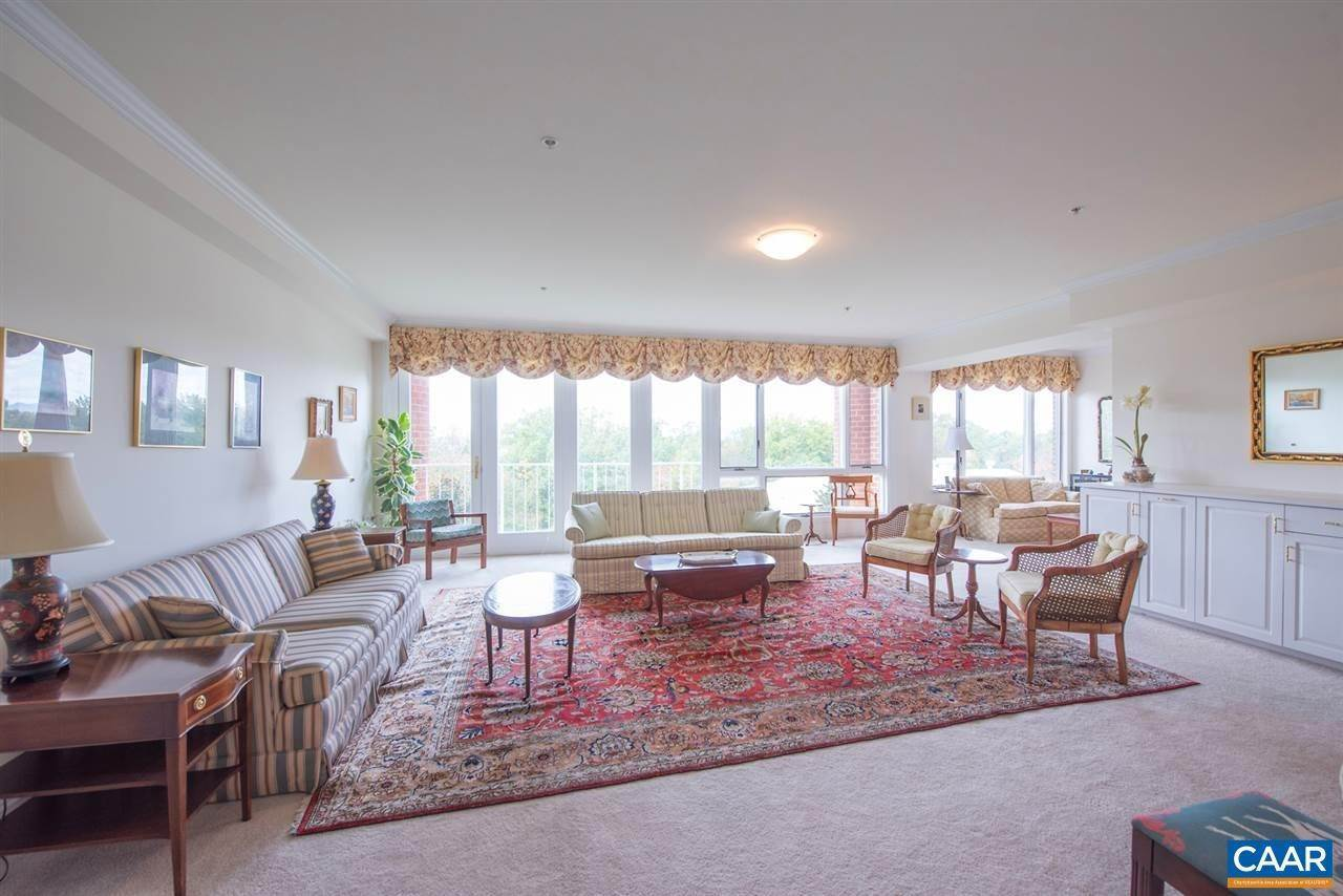 Condominiums for Sale at 500 CRESTWOOD Drive Charlottesville, Virginia 22903 United States