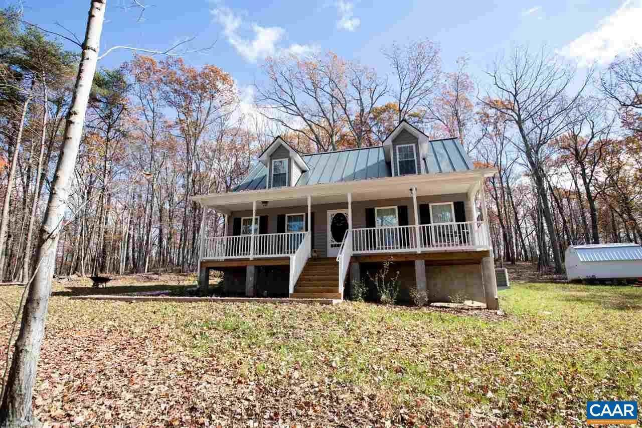 Single Family Homes por un Venta en 3558 MEADOW CREEK Road Wingina, Virginia 24599 Estados Unidos