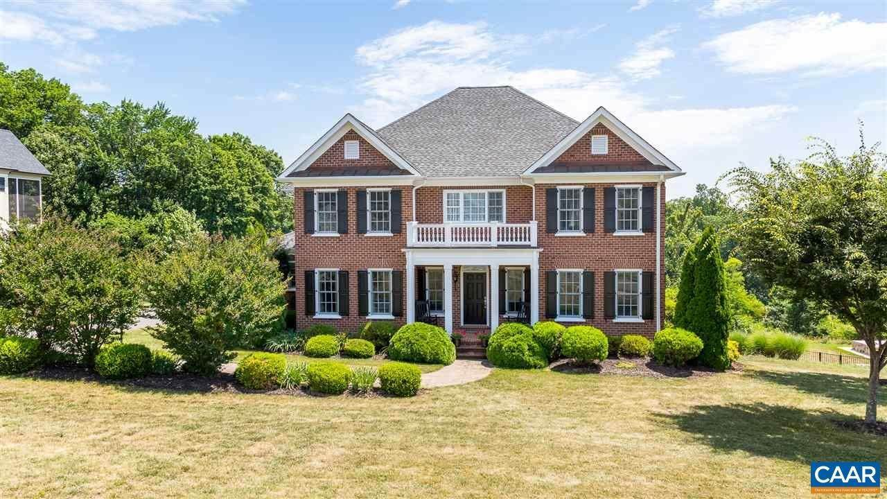 Single Family Homes pour l Vente à 6577 WOODBOURNE Lane Crozet, Virginia 22932 États-Unis