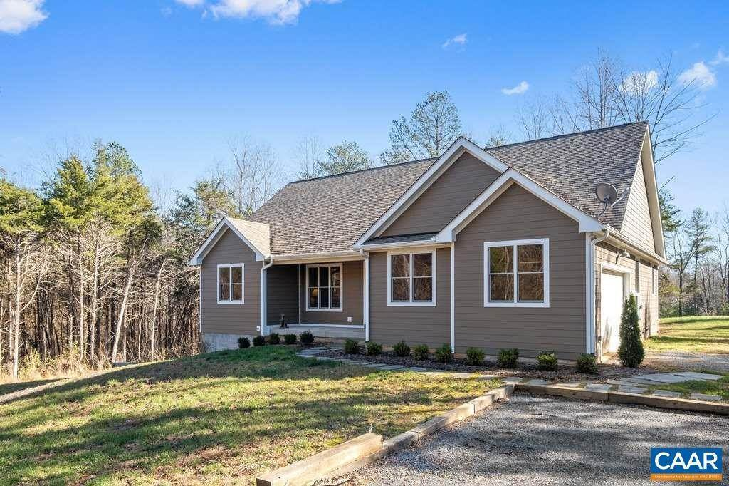 Single Family Homes por un Venta en 336 BEAR RUN Road Stanardsville, Virginia 22973 Estados Unidos