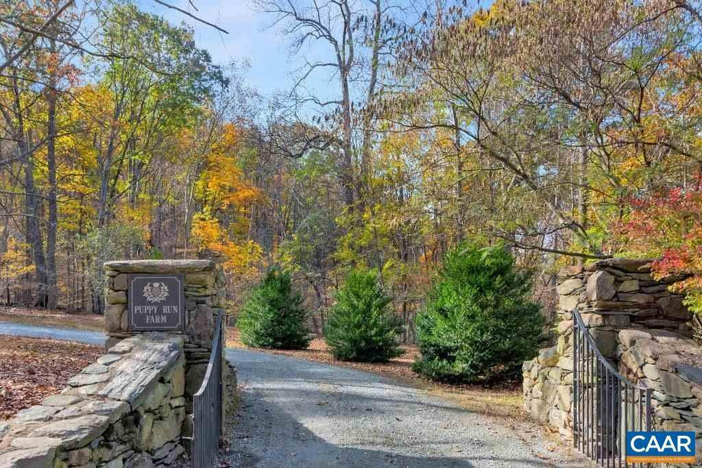2. Single Family Homes for Sale at 6225 SUGAR HOLLOW Road Crozet, Virginia 22932 United States