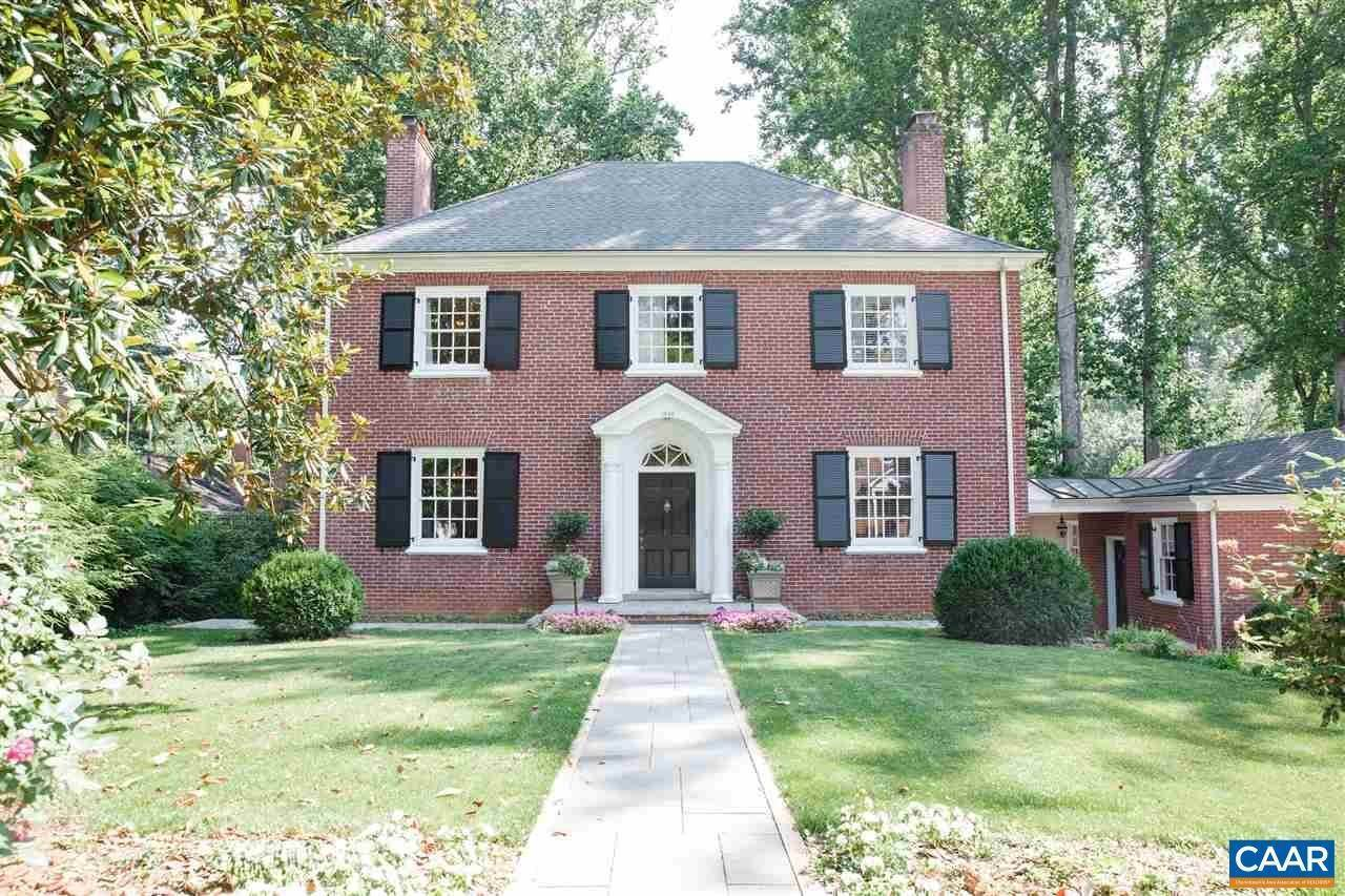 Single Family Homes por un Venta en 1946 THOMSON Road Charlottesville, Virginia 22903 Estados Unidos