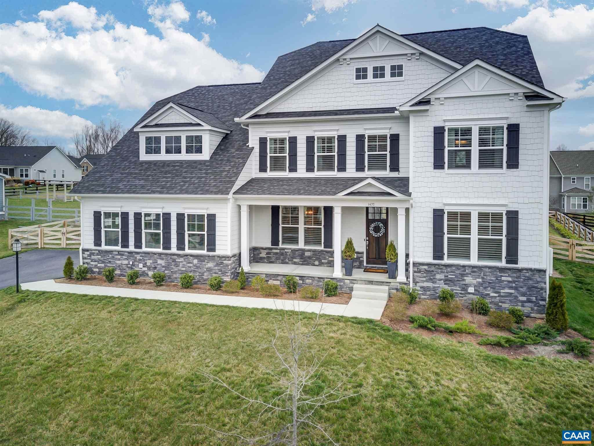Single Family Homes pour l Vente à 1437 TRINITY WAY Crozet, Virginia 22932 États-Unis