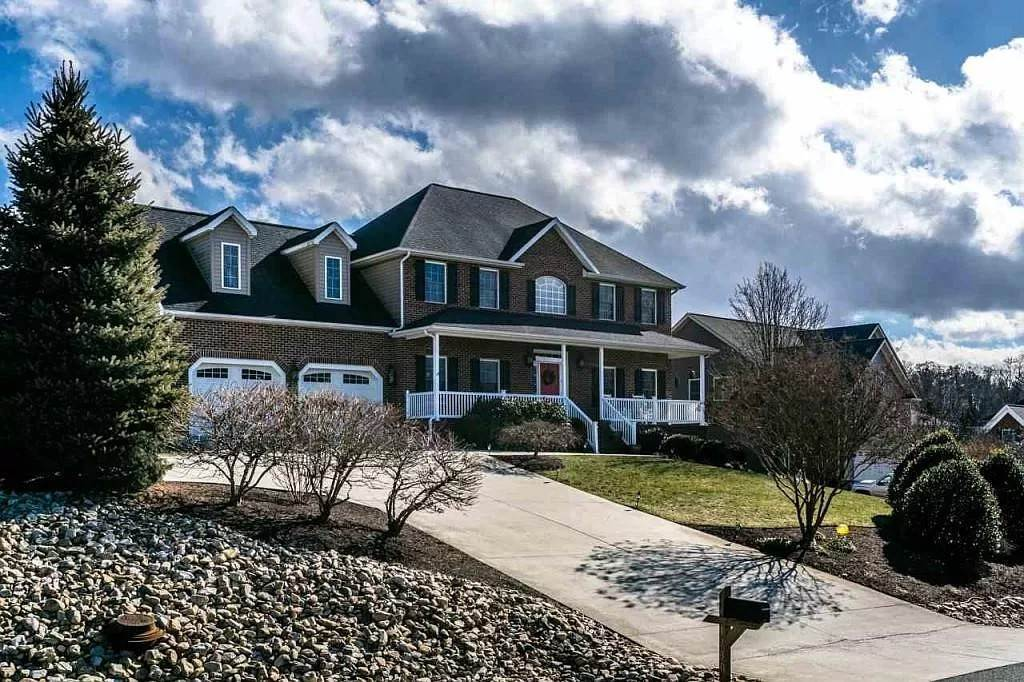 Single Family at 1730 Buckingham Dr Merrifield, Virginia 22081 United States