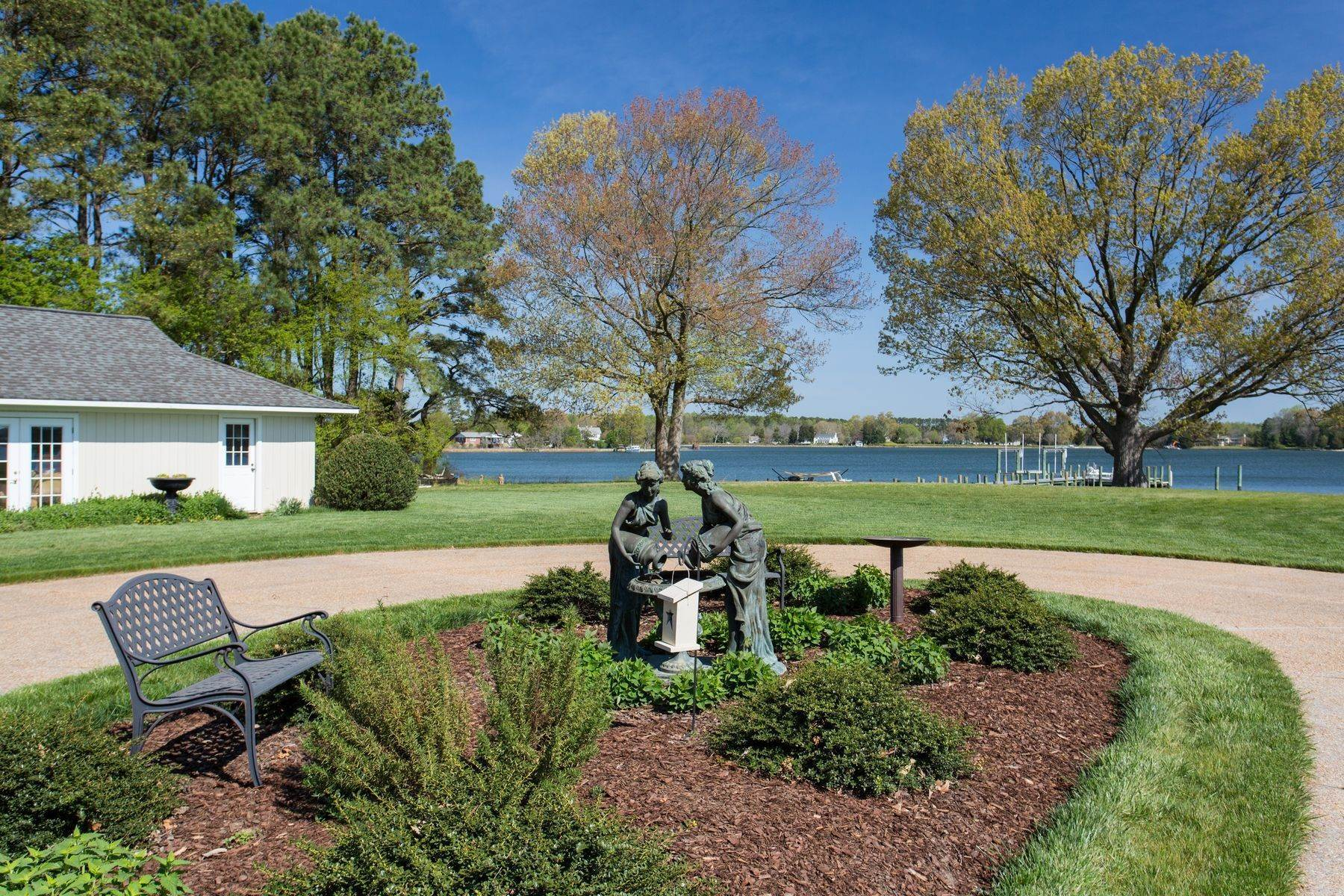 7. Single Family Homes for Sale at Cranefield 8473 Bailey's Wharf Rd Gloucester, Virginia 23061 United States